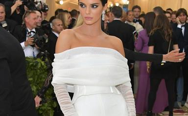 This Video Of Kendall Jenner Pushing A Security Guard Aside Is Everyone Who's Ever Wanted The Perfect Shot