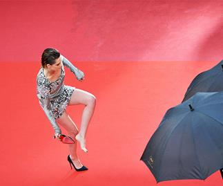 Kristen Stewart Taking Her Heels Off On The Cannes Red Carpet Is A Big Mood