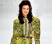 7 Outfits We Desperately Need Fran Fine To Wear In 'The Nanny' Reboot