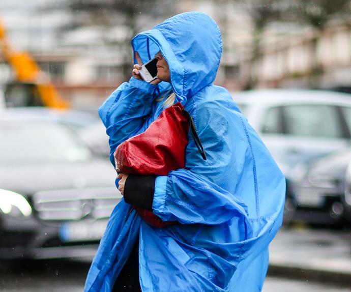 Raincoat street style.