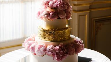 The History Of Wedding Cakes: 100 Years In 1 Minute