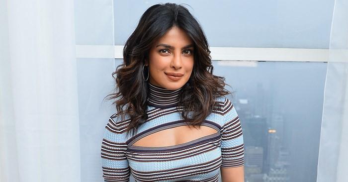 Your First Look At Priyanka Chopra's Engagement Ring