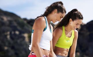 Beach workout with Maria Clara and Carolina Salgado