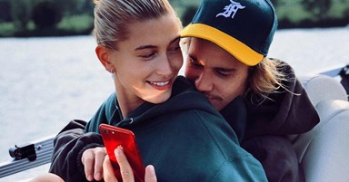 Justin Bieber Just Serenaded Hailey Baldwin Outside Buckingham Palace