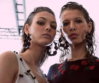 How To Style Wet Look Hair For Curls, According To Anthony Nader