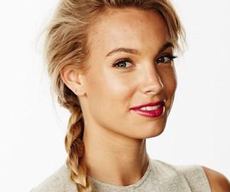 Model with braid.