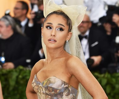 """Ariana Grande Fixed Her Misspelled """"7 Rings"""" Tattoo (Kind Of)"""