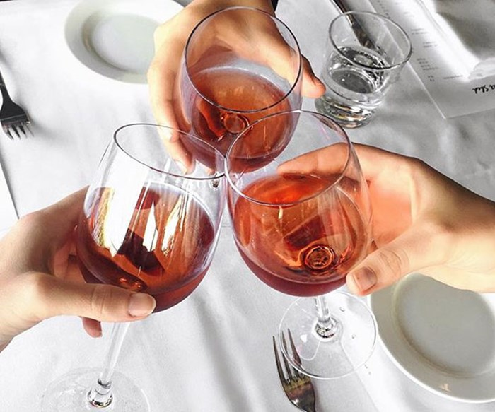 Wine-gin hybrid alcohol