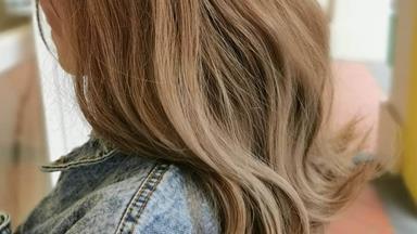 'Milk Tea Hair' Is Officially 2019's Next Big Hair Colour Trend