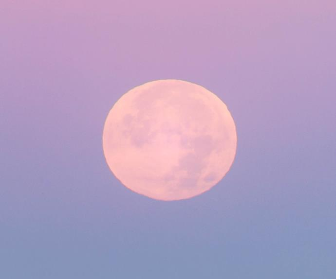 Full sturgeon moon in Aquarius in August.