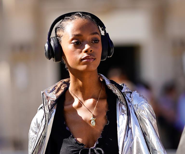Best Podcast 2020.The 6 Best Motivational Podcasts For 2020 Elle Australia