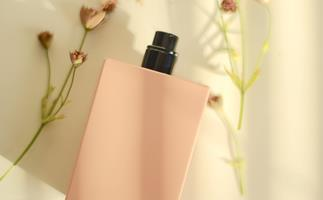 10 Of The Best Gifts For Fragrance Fans