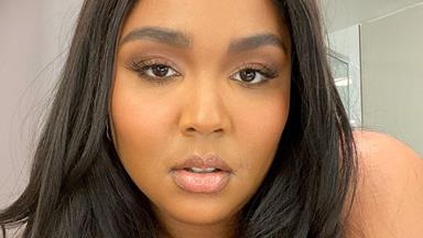 Living Legend Lizzo Was Spotted Helping Package Goods For Bushfire Victims In Queensland