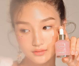 Best Korean Serums - Laneige Glowy Makeup.