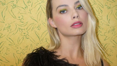 Margot Robbie Is Teaching A Masterclass In Red Carpet Makeup Looks