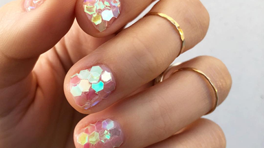 The 'Shatter Mani' Is The Nail Design We're Asking For The Second Salons Open