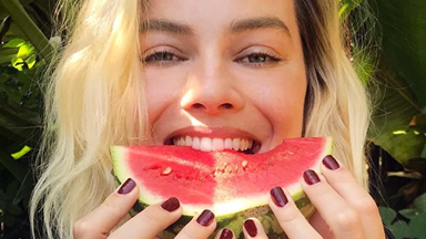 """Margot Robbie's Take On """"Watermelon Sugar"""" Nails Is Perfect For Winter"""