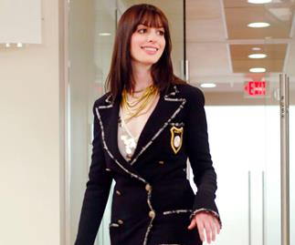 Anne Hathaway Brought Back An Iconic 'The Devil Wears Prada' Scene To School Us On Face Masks