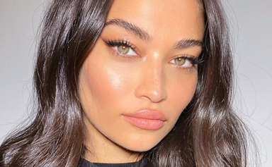 'Highlighter Layering' Is The Dewy-Skin Secret Makeup Artists Swear By