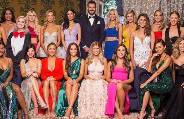 'The Bachelor' Australia 2020 premiere memes and twitter reactions.