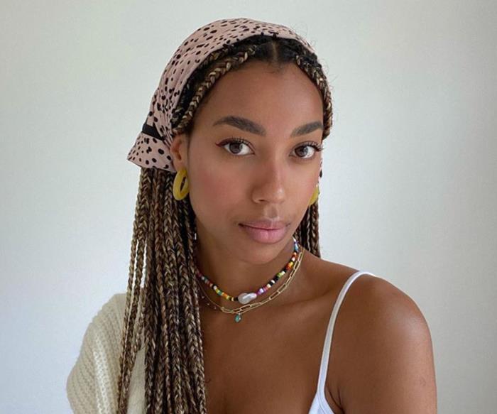Headscarf.