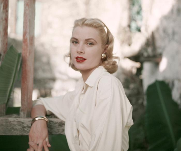 A New Grace Kelly Documentary Reveals How The Hollywood Icon Lost Her Millions