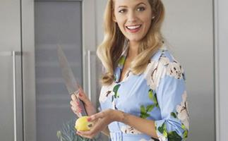 Blake Lively To Play A '50s Housewife Who Side Hustles As An Assassin In New Netflix Film