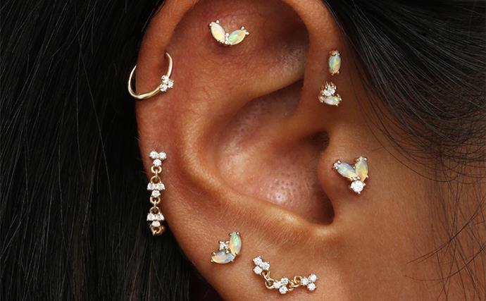 Ear piercing guide