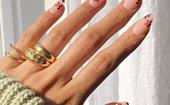 'Daisy Nails' Are The Sweet '60s-Inspired Manicure Trend Set To Bring Spring To Your Fingertips