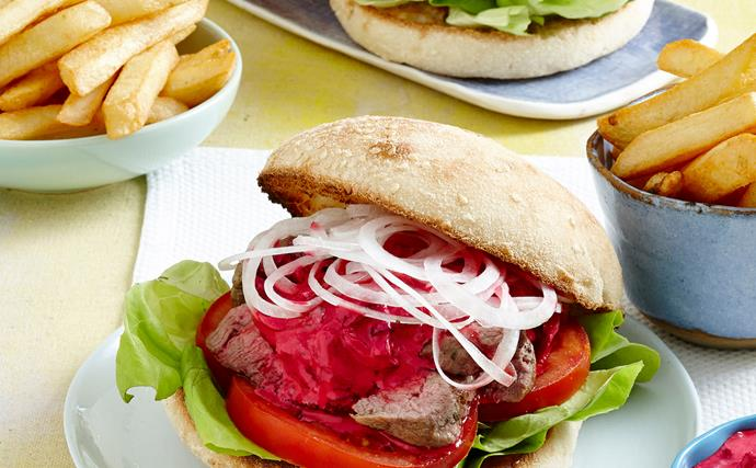 Lamb burgers with beetroot sauce