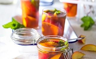 Nectarine and Pimms picnic jelly jars