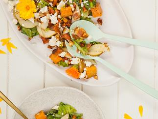 Honey, pear and almond salad