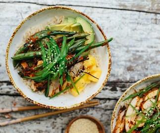 Kimchi chicken and green-bean sushi bowls