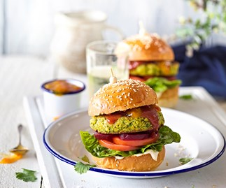 Spicy tikka courgette burgers