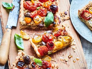Tomato and smoked cheese tart