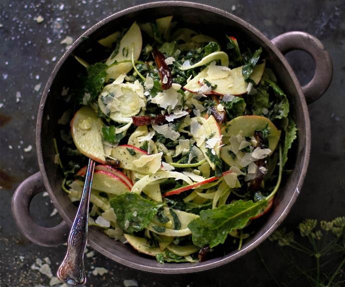 Fennel, apple and kale salad with creamy nut dressing