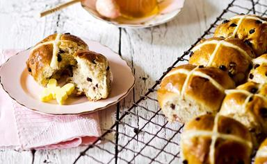 12 delicious ways to make and serve hot cross buns