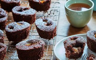 Feijoa and chocolate friands