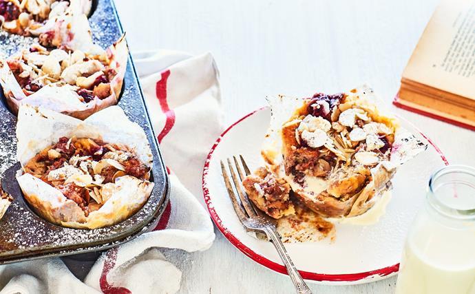Feijoa and white chocolate puddings