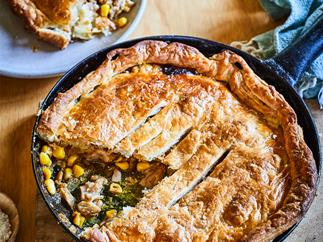 Chicken, mustard and bacon pan pie