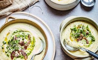 Cream cauliflower and bacon soup