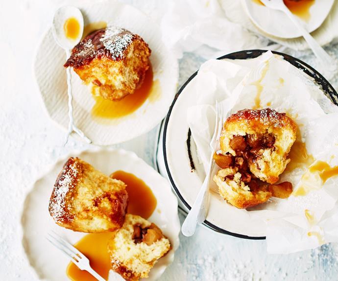 Pecan and apple monkey bread