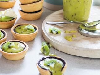 Kiwifruit curd tarts
