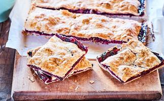 Berry pie sandwich