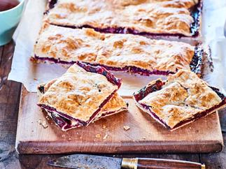 Berry pie sandwich