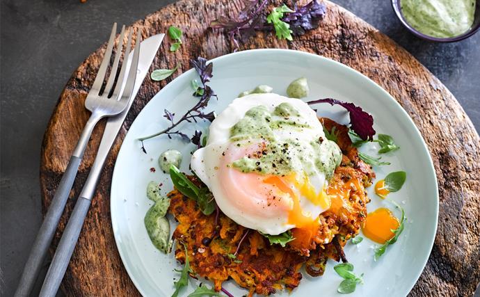Quinoa & sweet potato fritters with garlicky matcha mayo, egg & salad