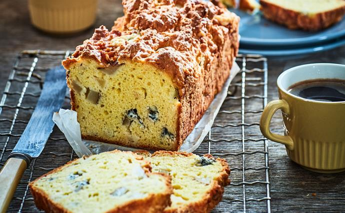 Blue cheese and pear loaf