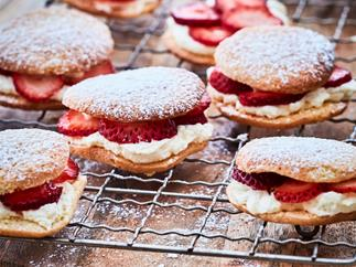 Strawberry and cream sponge drops