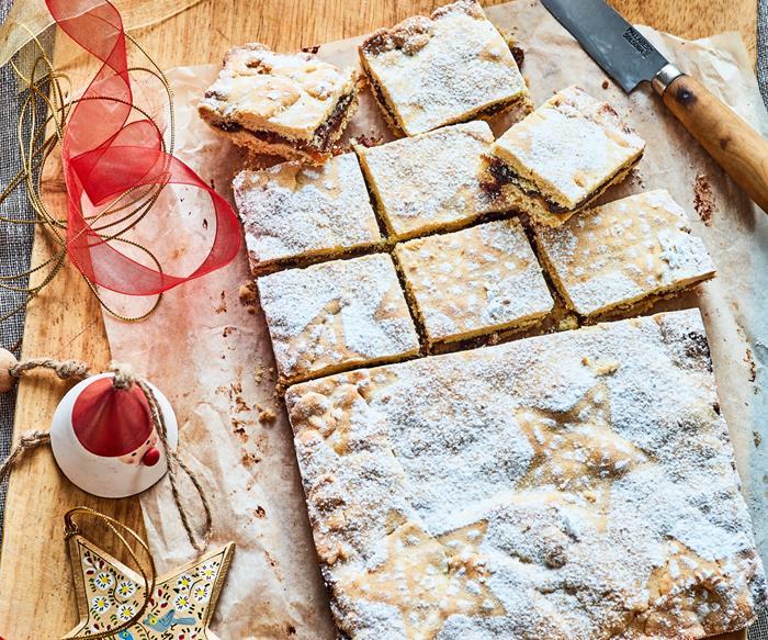 Sweet Christmas mince shortcake