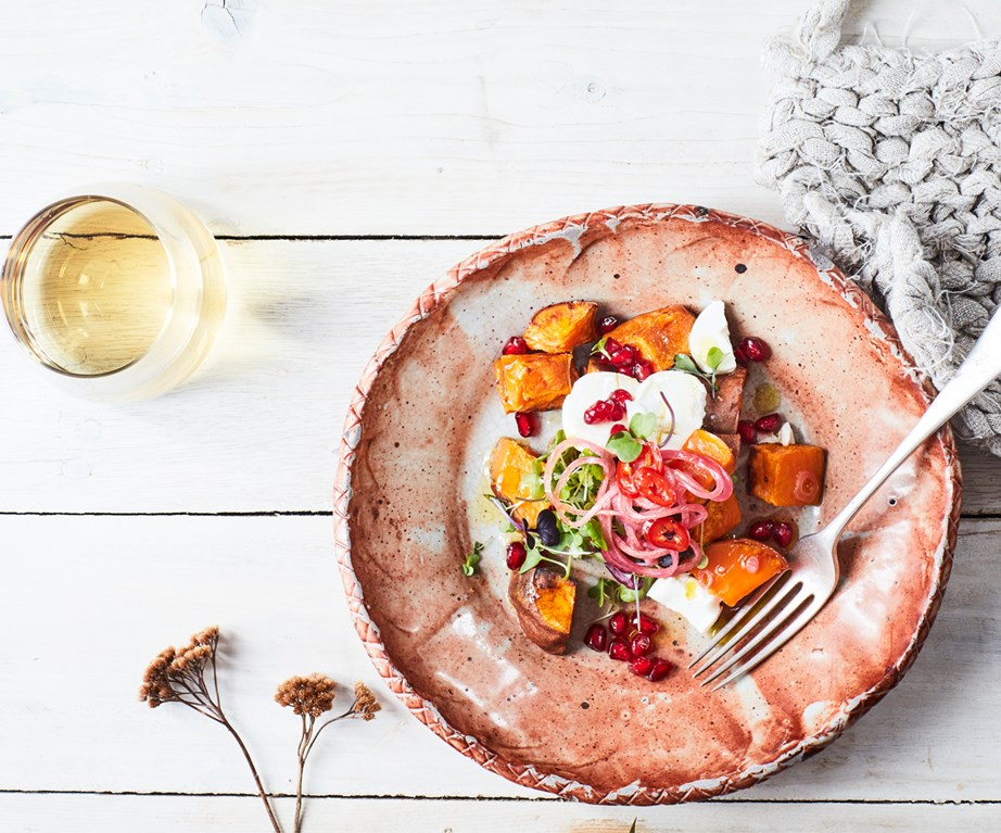 "[Kūmara, pomegranate & goat's cheese salad with maple & chilli](https://www.foodtolove.co.nz/recipes/kumara-pomegranate-goats-cheese-salad-recipe-34885|target=""_blank"")"